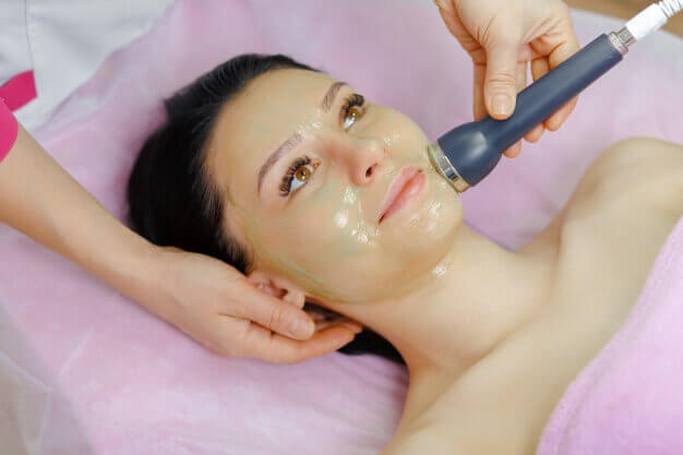 back-cleansing-facial